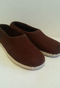 Тапочки валяные коричневые